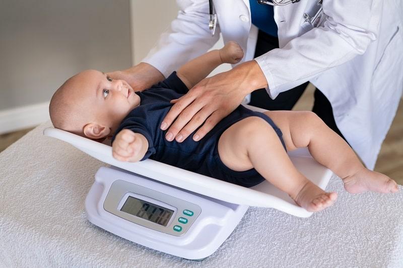 Las 5 Mejores Básculas para Bebé del 2021