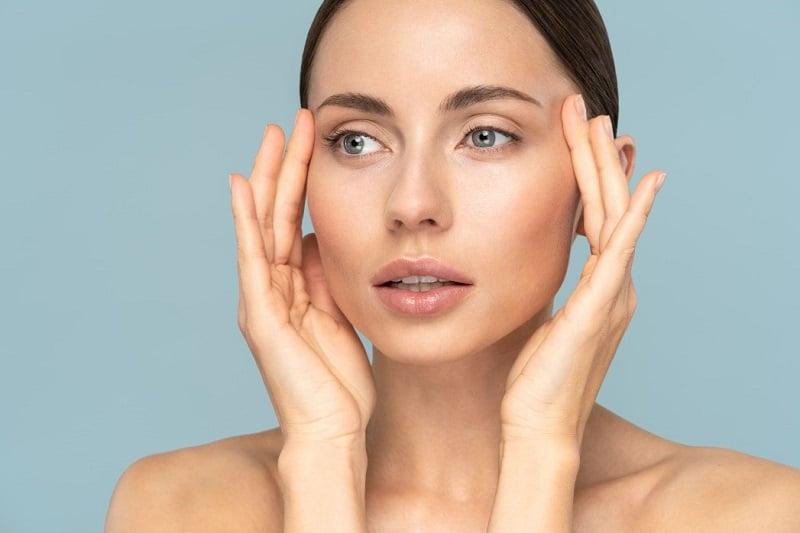 Los 5 Mejores Cepillos Limpiadores Faciales Eléctricos de 2021